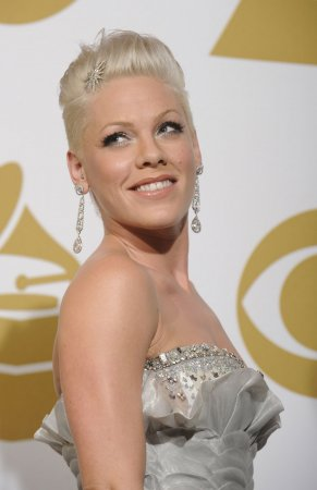 P!nk confirms pregnancy