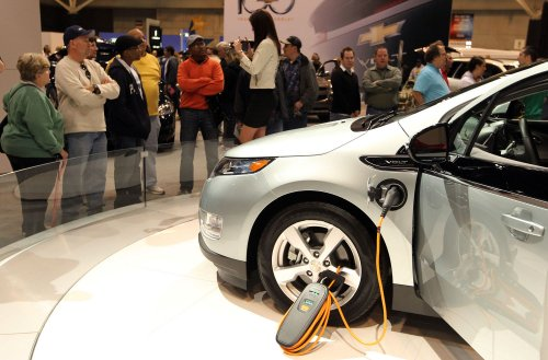 Auto Outlook: GM says losses on Volt 'grossly wrong'