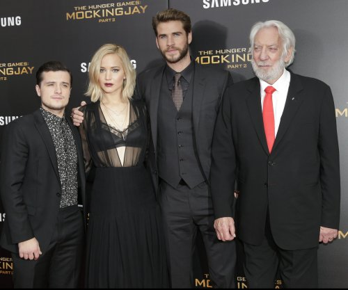 'Hunger Games: Mockingjay -- Part 2' tops the North American box office with $101 million