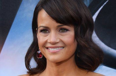Carla Gugino and Luke Wilson appear in Showtime's trailer for 'Roadies'