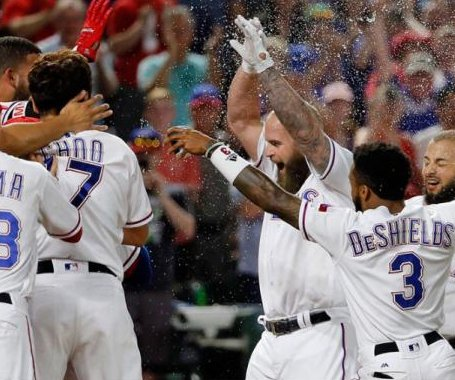 Mike Napoli's walk-off bomb gives Texas Rangers comeback win vs. San Diego Padres
