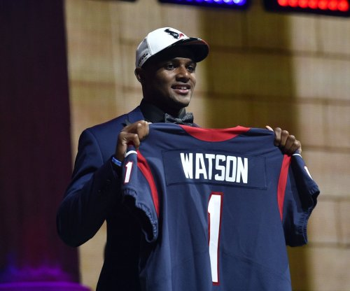Houston Texans rookie QB Deshaun Watson learning playbook quickly