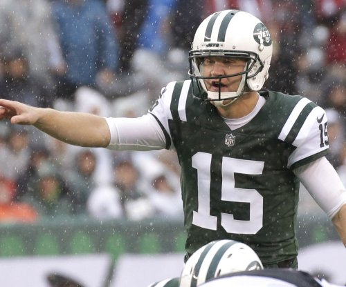 New York Jets QB Josh McCown to miss rest of season with broken hand