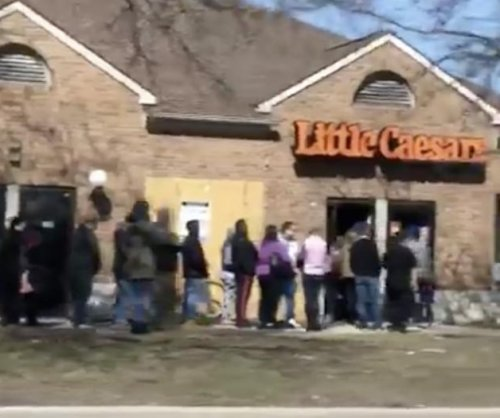 UMBC Retrievers fans flock to Little Caesars for upset special