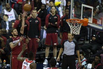 Phoenix Suns acquire Tyler Johnson, Wayne Ellington from Miami Heat