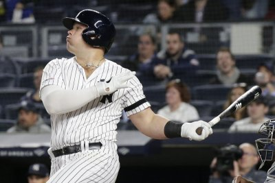 Yankees' Luke Voit crushes 470-foot home run