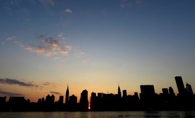 Bronx man dies by self-decapitation