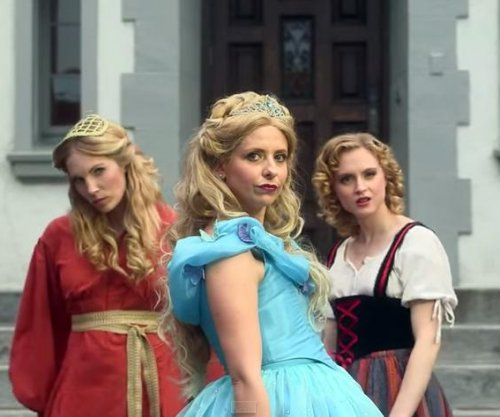 Sarah Michelle Gellar stars in Disney princess rap battle