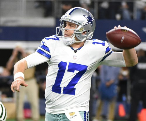 Dallas Cowboys backup QB Kellen Moore breaks ankle
