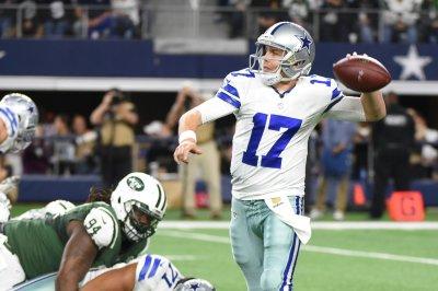 Dallas Cowboys backup QB Kellen Moore breaks ankle