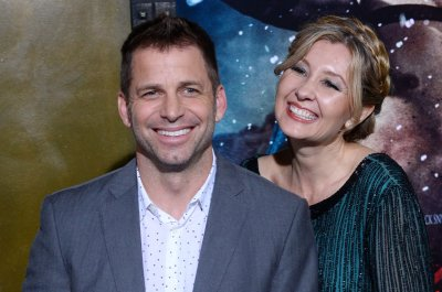 Zack Snyder departs 'Justice League' due to family tragedy