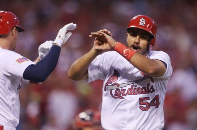 St. Louis Cardinals drive past New York Mets