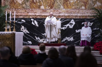 Pope Francis urges COVID-19 vaccine for all in Christmas message