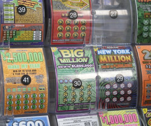 Fellow customer's purchase leads Missouri man to $100,000 lottery prize