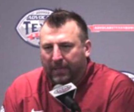 Arkansas routs Texas in Texas Bowl