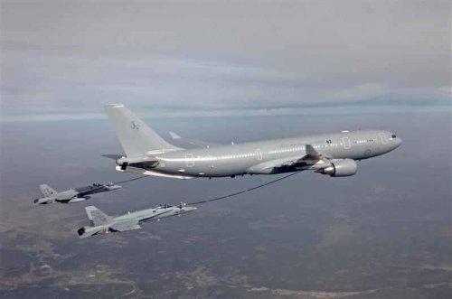 Australia orders airborne refueling tankers