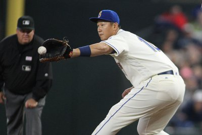 Dae-Ho Lee's two homers power Seattle Mariners past Texas Rangers