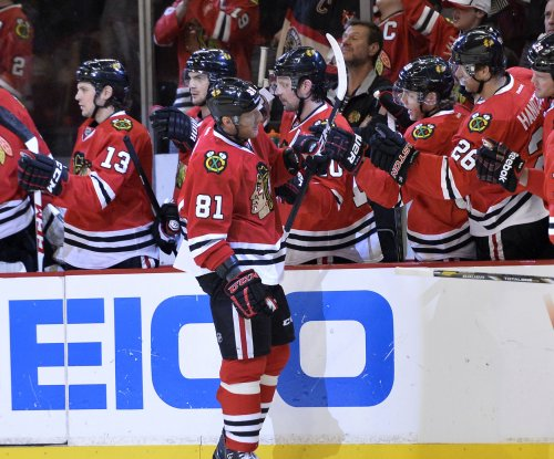 Chicago Blackhawks forward Marian Hossa to miss next season due to skin disorder