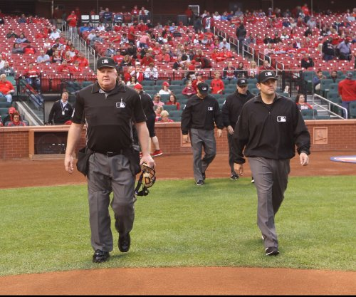 Umpires in Detroit unite against verbal abuse
