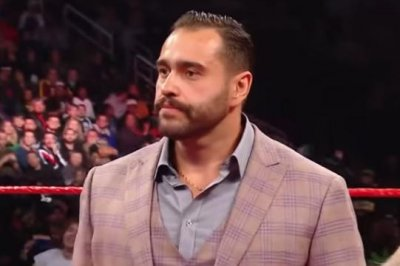 WWE Raw: Seth Rollins and Erick Rowan battle, Lana betrays Rusev