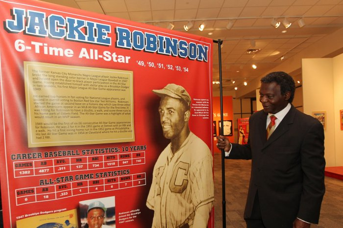 On This Day: Brooklyn Dodgers sign Jackie Robinson