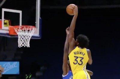 Warriors rookie James Wiseman dunks on 7-foot-2 Bol Bol