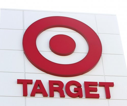 Target to raise minimum wage to $11, plans $15 by 2020