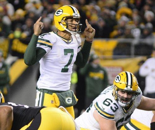 Backup QB Brett Hundley keeps Green Bay Packers afloat