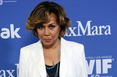 Diahann Carroll, 'Julia' and 'Dynasty' actress, dies at 84