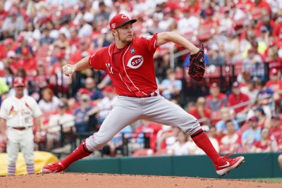 Reds' Trevor Bauer, Indians' Shane Bieber win Cy Young awards