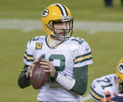 Aaron Rodgers skips Packers minicamp, faces $93K fine