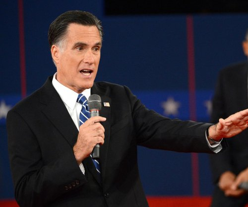Holyfield to Romney: 'Mitt, come get your whoopin'!'