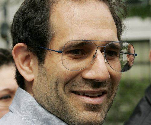 American Apparel bankruptcy plan approved, founder Dov Charney loses bid to return