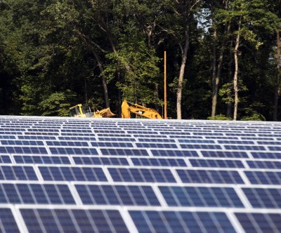 Obama proposes huge boost to clean energy funding in 2017 budget