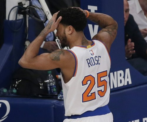 New York Knicks PG Derrick Rose tears meniscus in left knee, will miss rest of 2017 season