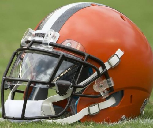 Browns GM open to trade, says Jets have called