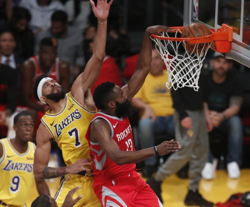 James Harden hits 3 in LeBron James' face, dunks on JaVale McGee
