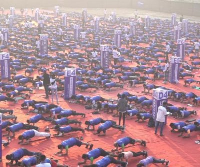 2,471 hold plank position for Guinness record in India