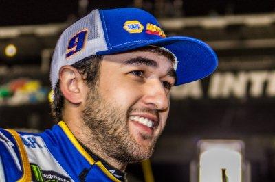 Chase Elliott wins All-Star Race in front of 20,000 NASCAR fans