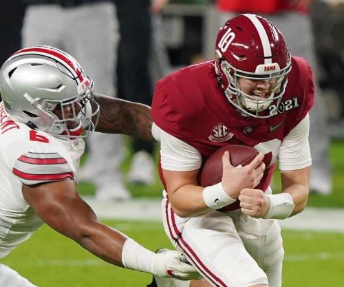 Alabama QB Jones, WR Waddle, 2 other starters declare for 2021 NFL Draft