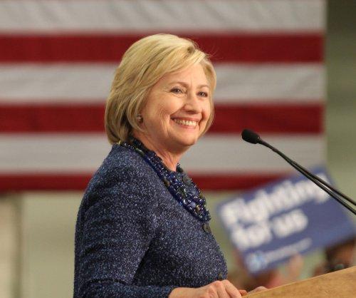 Twitter knocks Clinton with #NotMyAbuela