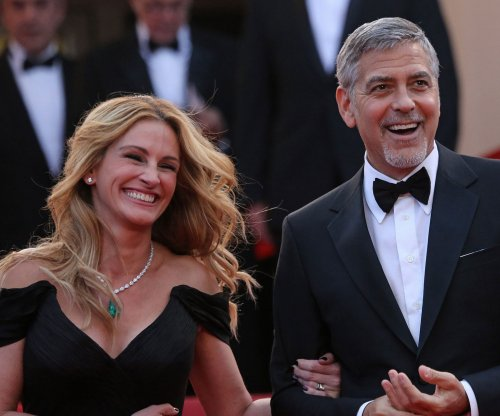 George Clooney, Julia Roberts all smiles in Cannes