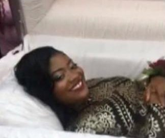 Georgia student shows up to prom in a casket