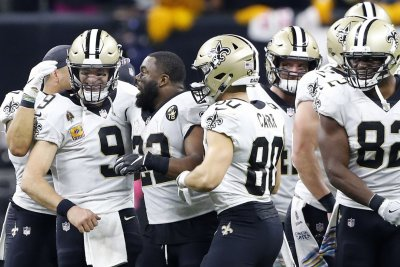 Saints rout Redskins on Drew Brees' record night