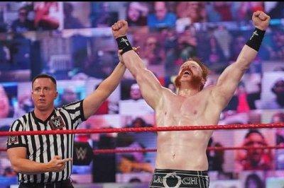 WWE Raw: Sheamus wins Gauntlet match, Alexa Bliss issues warning