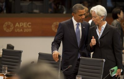 IMF chief: World risks triple crisis