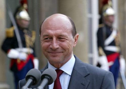 Basescu wins reelection in Romania