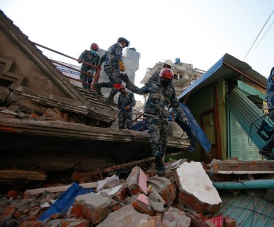 More tremors as Nepal faces rebuilding challenge