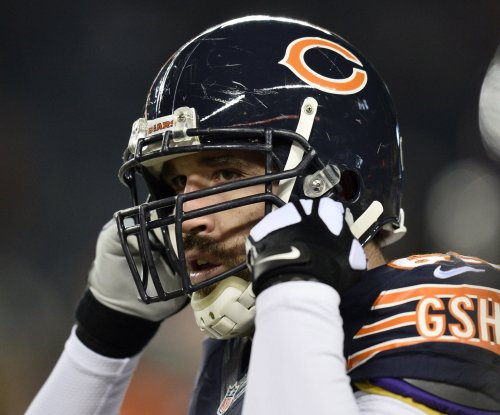 Carolina Panthers 'excited' to add pass rusher Jared Allen
