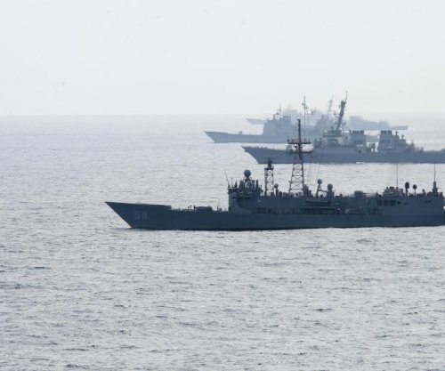 U.S., Chinese naval forces conduct group passage exercise